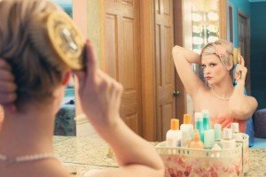 pretty-woman-mirror-illustration-635258_960_720-e1455627165125