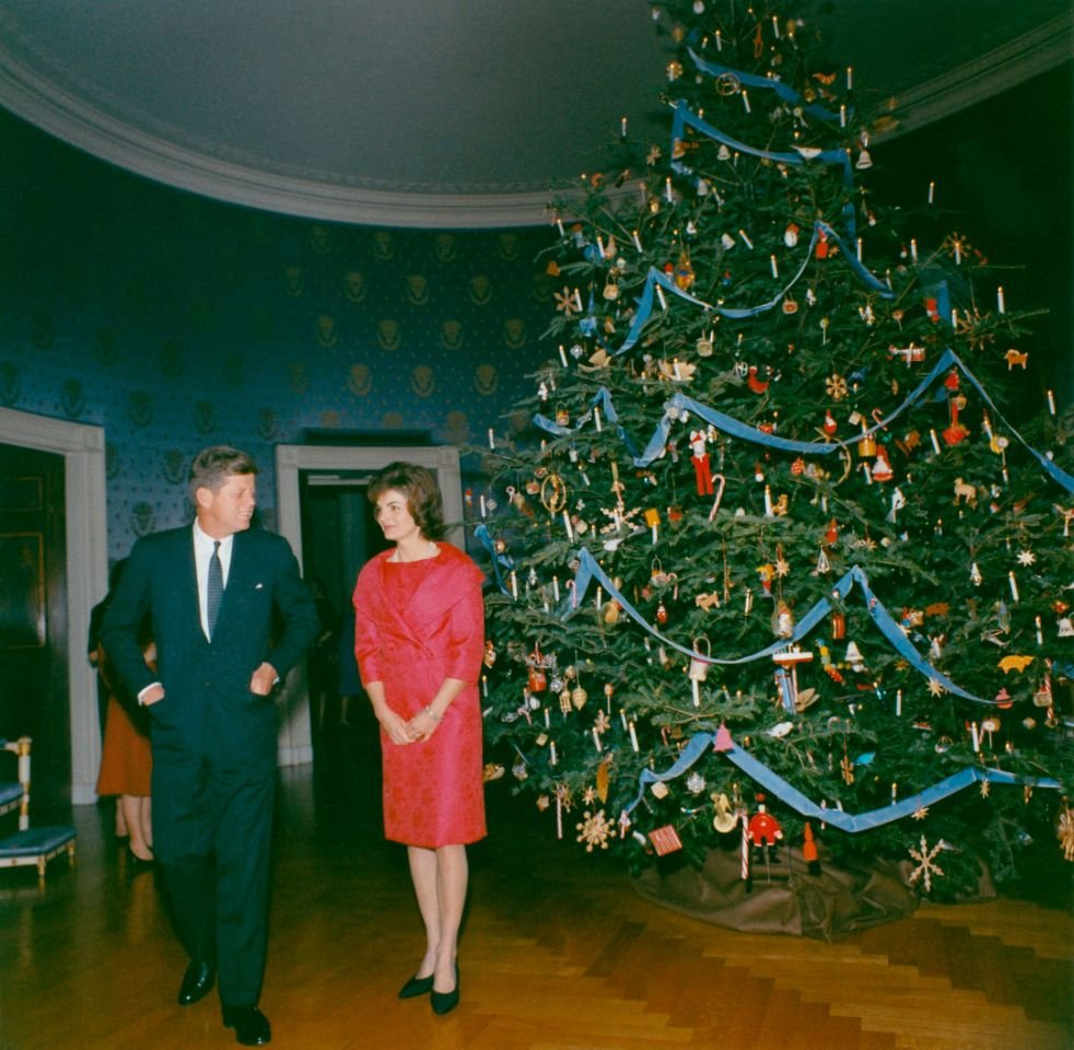 Melania Trump S Red Christmas Trees In The White House Spark