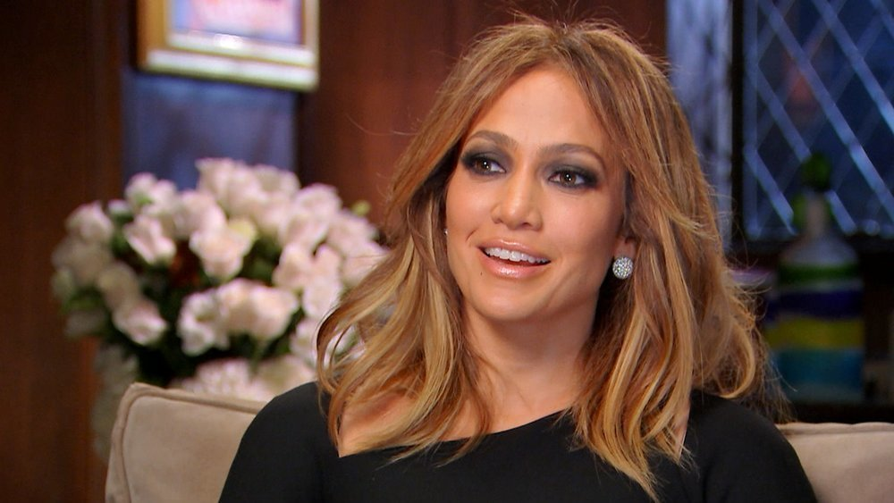 JLo continues defying the aging world with her stunning look despite being a mom at 49 years old.