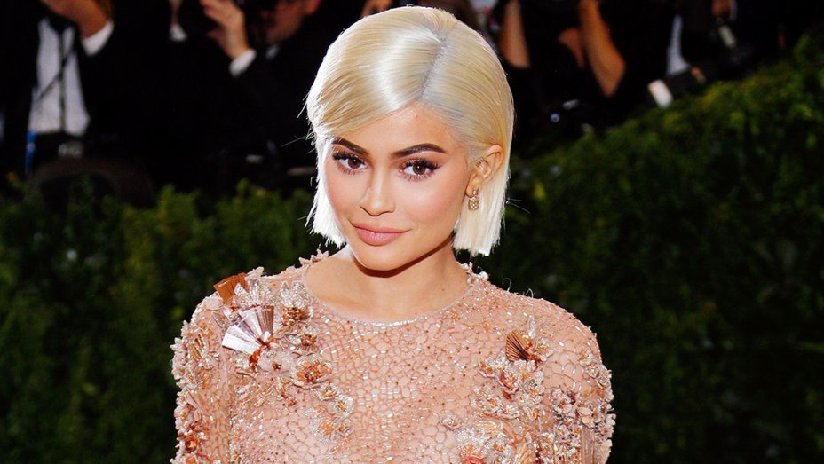 Kylie Jenner reveals she's willing to forgive her best friend since she's worried Stormi might be affected if she severs their connection.